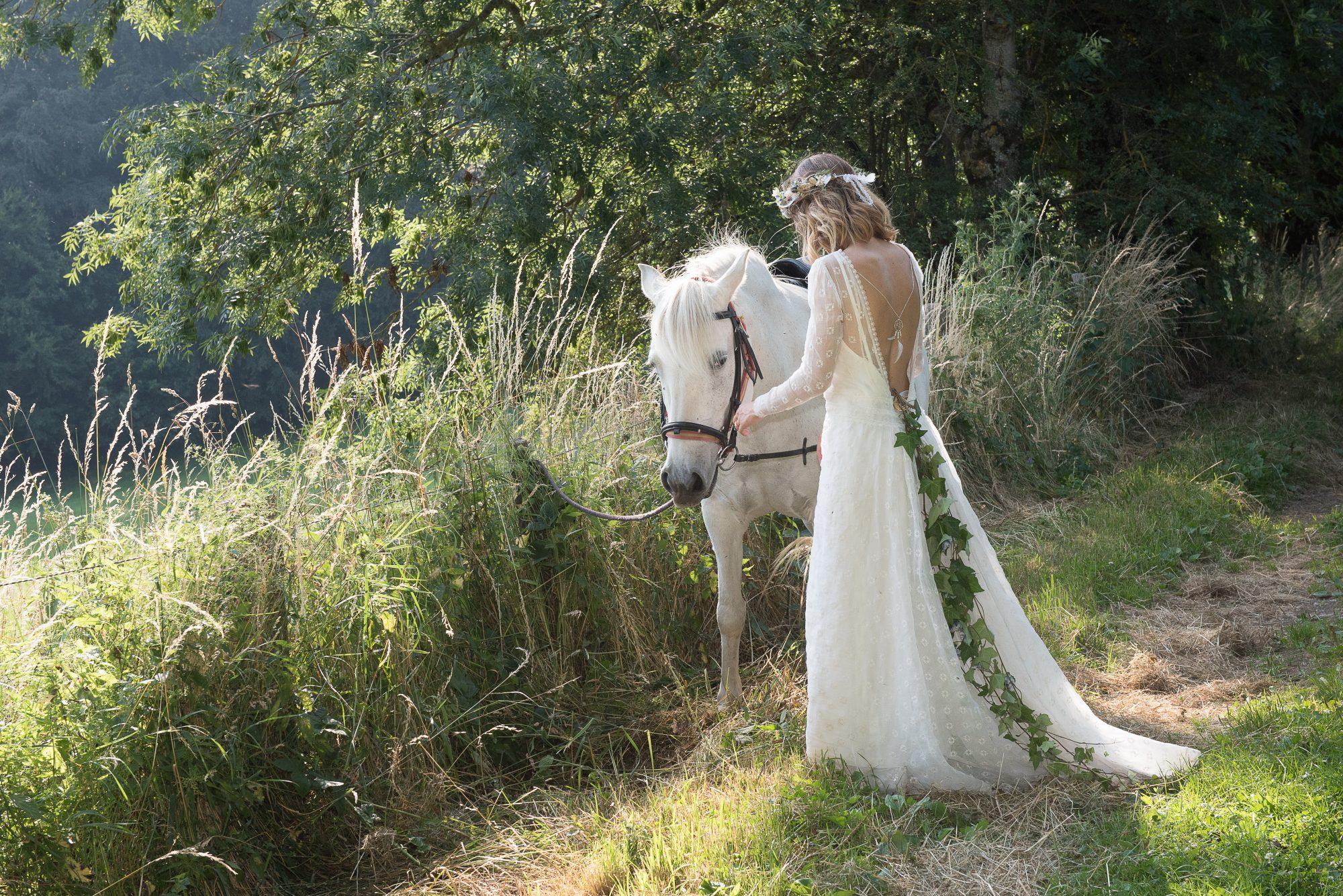 Caroline Bouvier - collection robes de mariée - crédit photo : Vincent Lattuca
